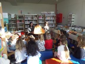 Visite de la bibliothèque et kamishibai